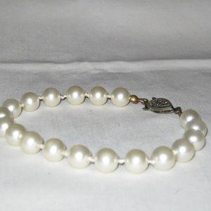 Single Strand Pearl Bracelet Hand Knotted Vintage